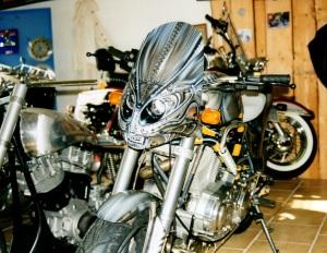 Alien Harley 1 airbrush regensburg schrötter